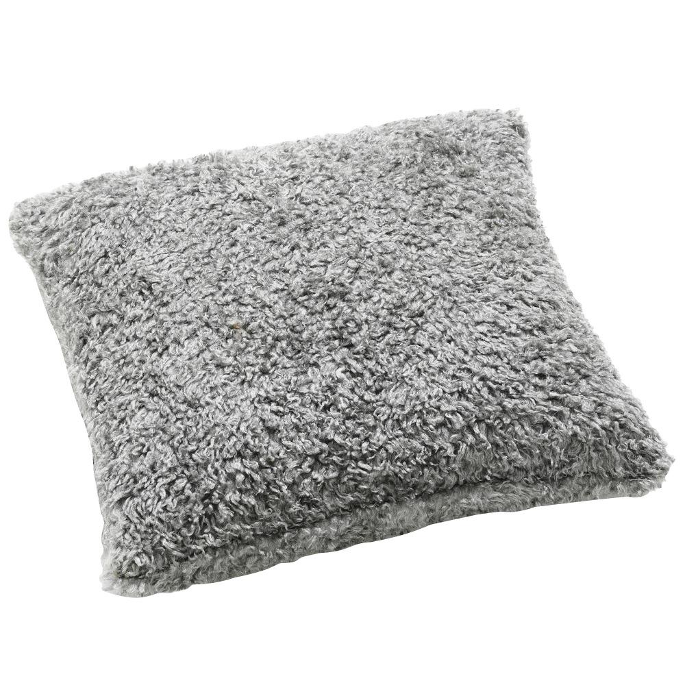 Prydnadskudde fårskinn 45×45 cm Med innerkudde 599 kr